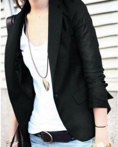 blazer-preto-feminino-com-calça-jeans